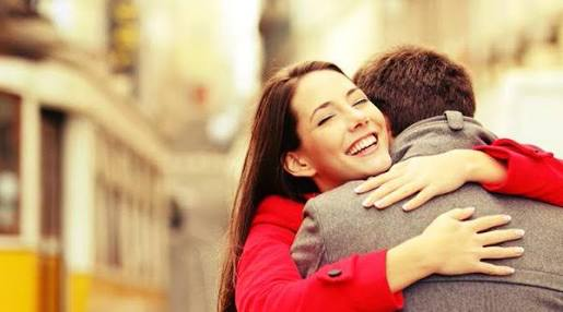 Dia de abraçar alguém